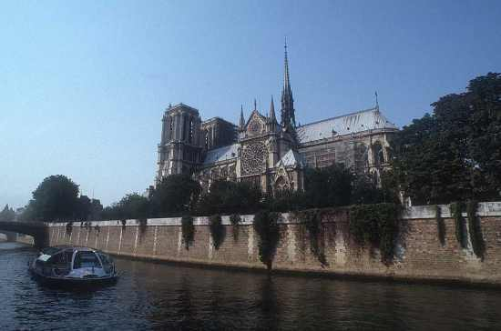 http://paris.webby.no/db/fileupload/notre-dame.jpg